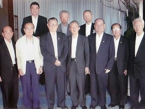 「台湾高座会」のメンバーたちと(2007年)